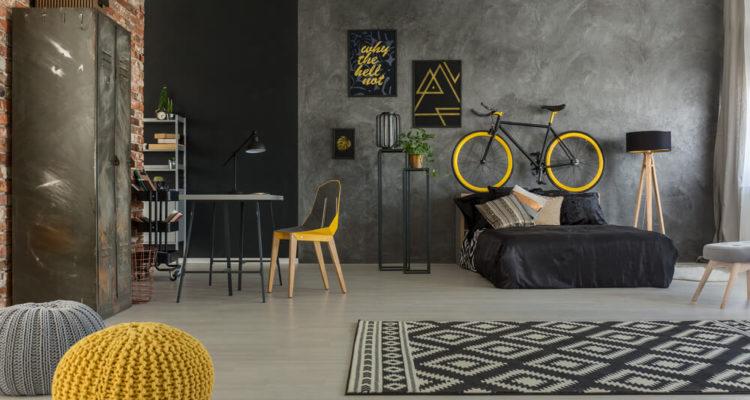 vintage racefiets aan de muur